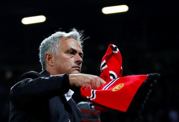 Man Utd khủng hoảng: Mourinho vẫn'tự luyến' bản thân, đá đểu Klopp và Tottenham - Bóng Đá
