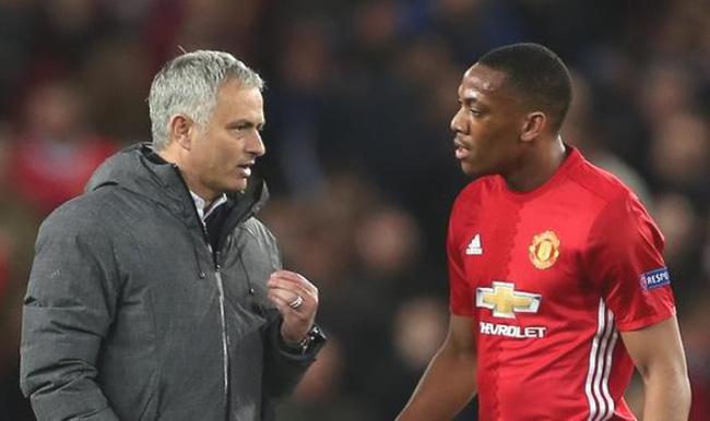Mourinho nói gì khi Man Utd quyết giữ Martial? - Bóng Đá