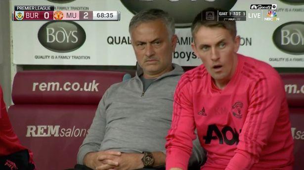 Pogba sút hỏng 11m, Mourinho lộ biểu cảm khó đỡ - Bóng Đá