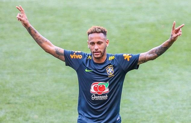 Neymar ghi siêu phẩm rồi ăn mừng như Ronaldo - Bóng Đá