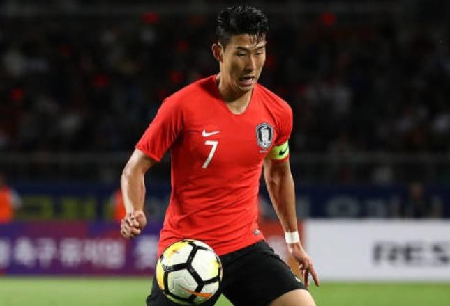 Bị phân biệt chủng tộc, Son Heung-min trả thù cực gắt trên sân - Bóng Đá