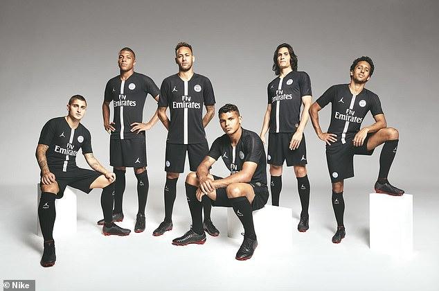PSG tung áo đấu mới cực chất - Bóng Đá