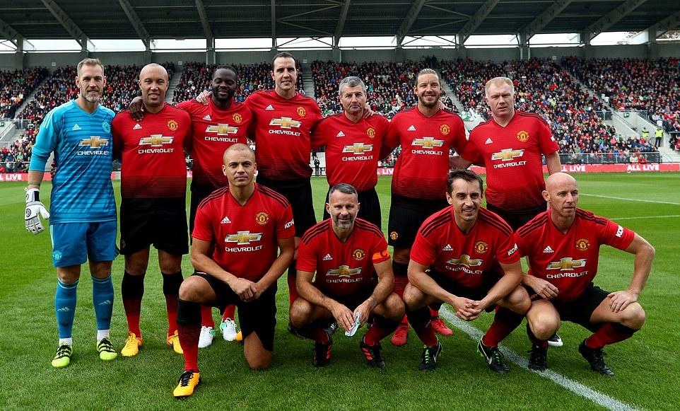 Keane, Giggs xỏ giày ra sân - Bóng Đá