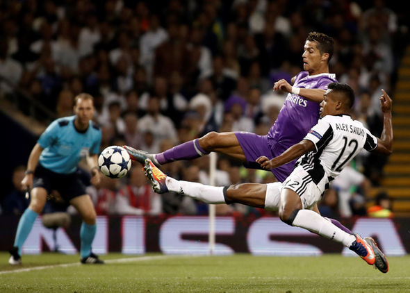 Rõ lý do Juventus quyết mua bằng được Ronaldo - Bóng Đá
