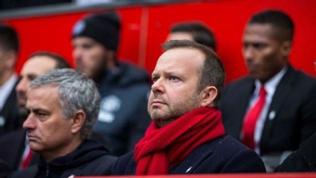 Man Utd hướng tới chợ Đông: BLĐ Man Utd lại khiến Mourinho tức điên! - Bóng Đá