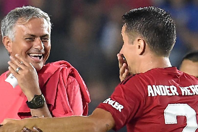 Herrera: Man Utd và Mourinho đã quá quen với chỉ trích - Bóng Đá