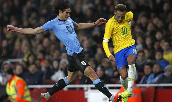 Neymar và Cavani xô xát, Mbappe nói gì? - Bóng Đá
