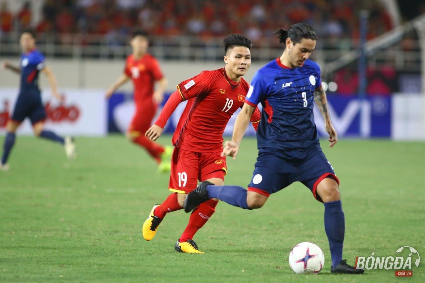 4 cầu thủ Philippines cùng lúc vây ráp vẫn không kèm được Quang Hải - Bóng Đá