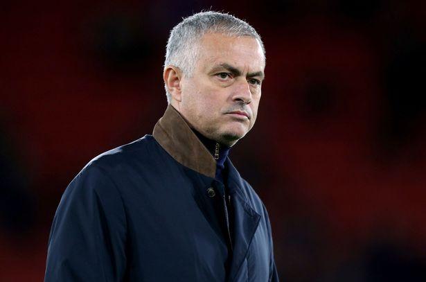 Chia tay M.U chưa đầy 24h, Jose Mourinho có ngay việc mới? - Bóng Đá