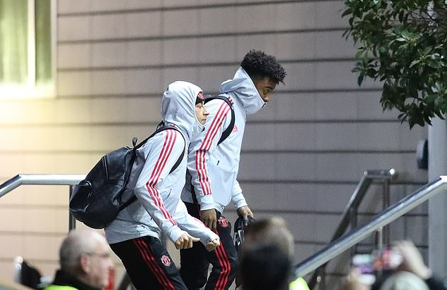 Ảnh Man Utd tới khách sạn - Bóng Đá
