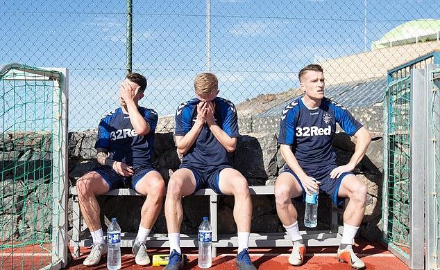 Gerrard ra giáo án hà khắc, cầu thủ Rangers nôn thốc, nôn tháo - Bóng Đá