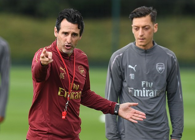 Đã tới lúc Mesut Ozil nên rời Arsenal? - Bóng Đá