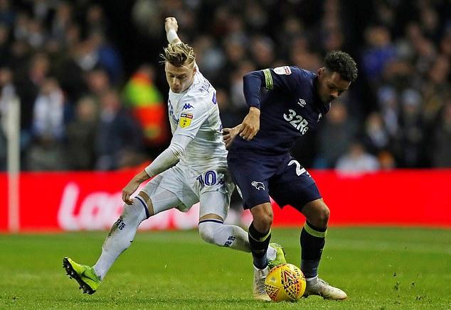 Dùng trò bẩn, Leeds United hạ đội bóng của Lampard để xây chắc ngôi đầu - Bóng Đá