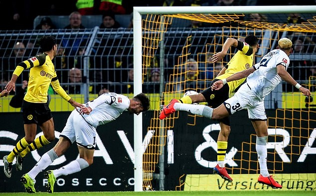 Thần đồng nước Anh ghi bàn, Dortmund vẫn mất điểm dù dẫn trước 3 bàn - Bóng Đá