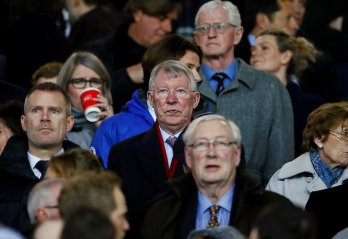 Sir Alex thất thần trên khán đài khi Man Utd thua PSG - Bóng Đá