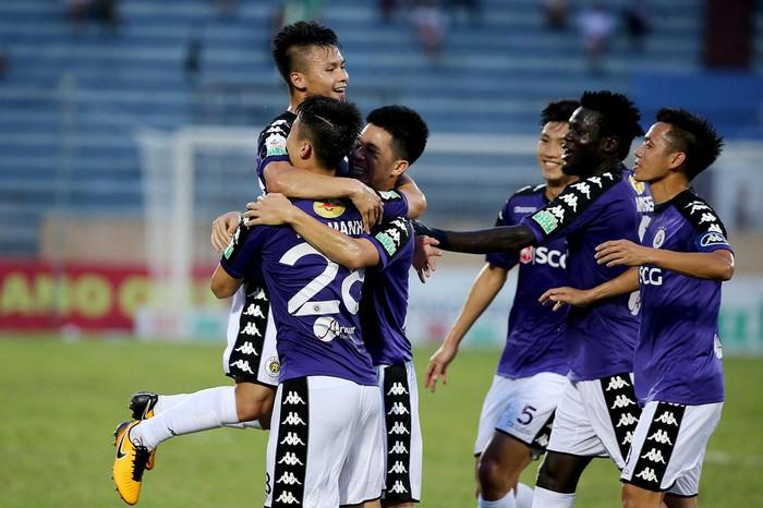 NHM Việt Nam phát sốt khi Hà Nội FC lấn lướt hoàn toàn CLB Trung Quốc - Bóng Đá