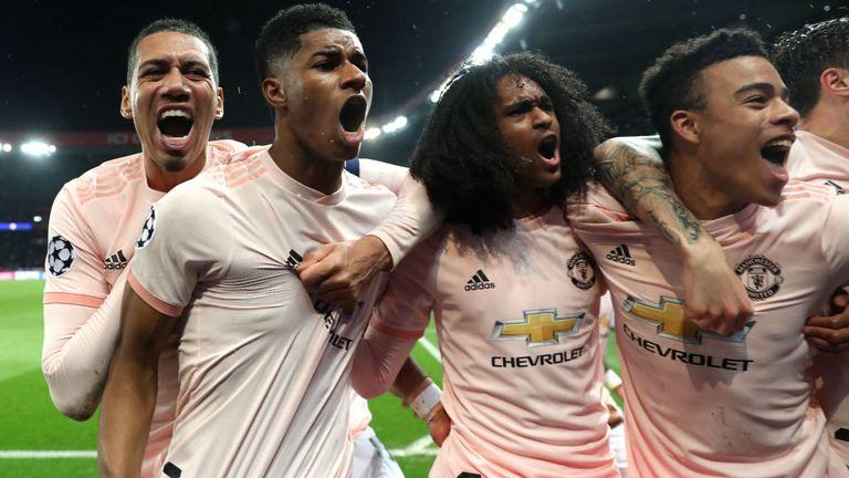 Sanchez, Martial, Lingard ăn mừng  - Bóng Đá