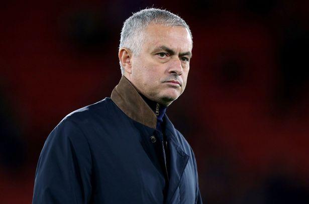Mourinho được xướng tên trong thất bại của M.U trước Wolves - Bóng Đá