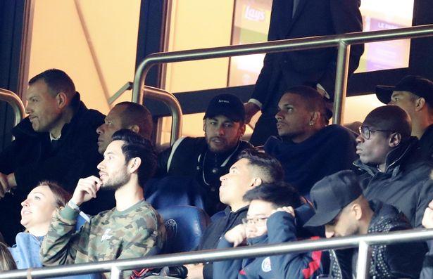CHÍNH THỨC! UEFA phạt Neymar trận thua Man Utd - Bóng Đá