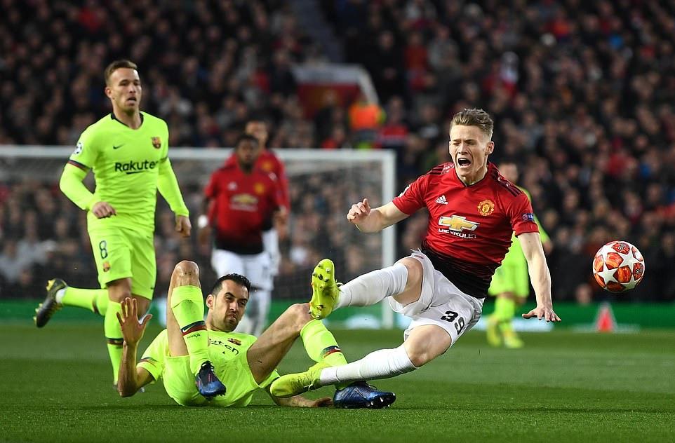 Man Utd đã tìm ra một 'Roy Keane 2.0' sau trận thua Barcelona - Bóng Đá
