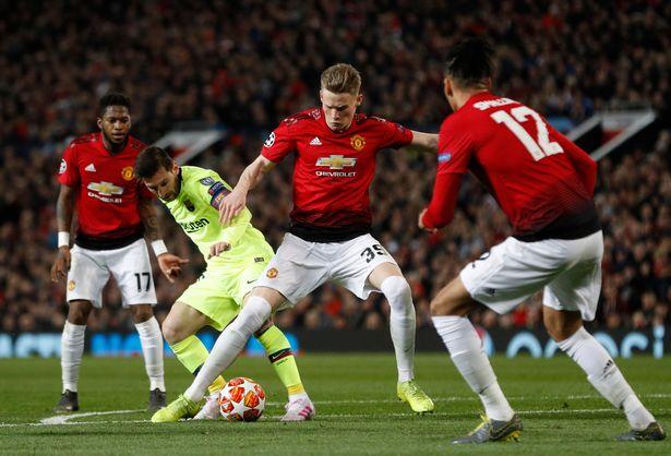 NÓNG! Bị loại khỏi C1, Man Utd nhận số tiền thưởng gây sốc - Bóng Đá