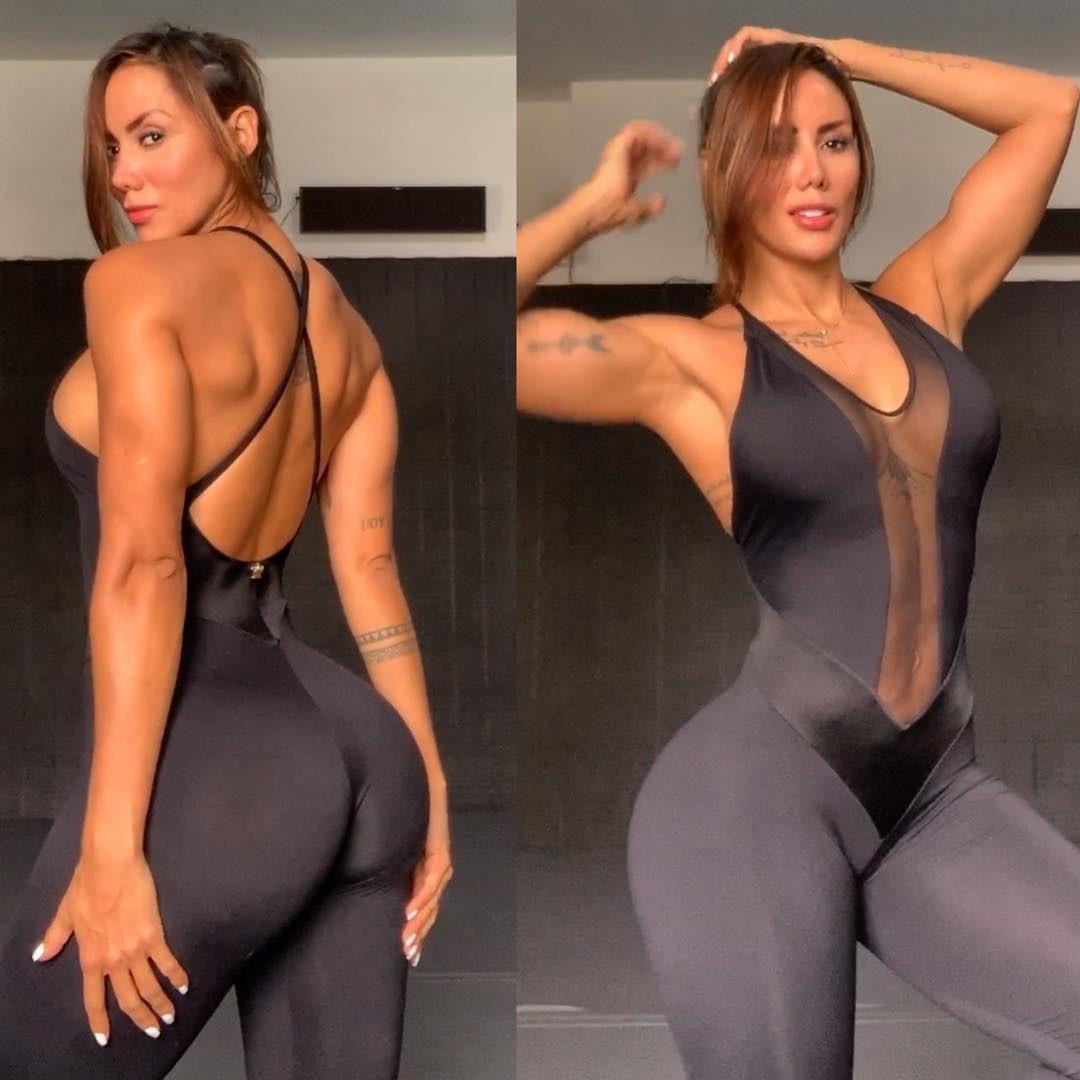 Vidal bỏ vợ đẹp, cặp với mỹ nữ 6 múi - Bóng Đá