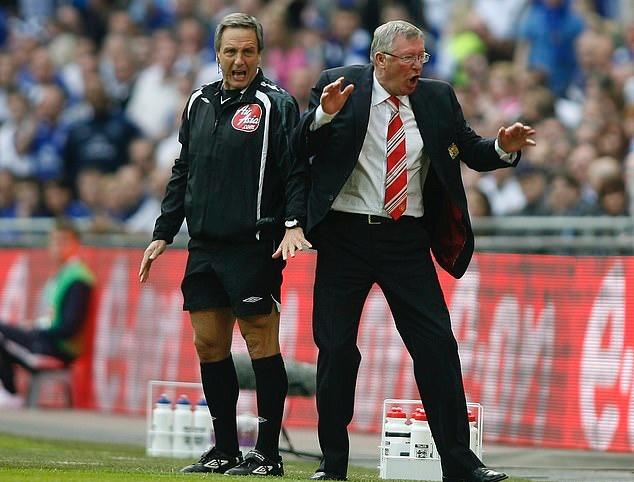 Sir Alex bảo đó là điều không tưởng nhưng Man City của Pep sắp đạt được - Bóng Đá