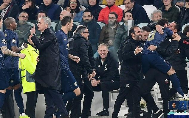NÓNG! Jose Mourinho trở lại Chelsea - Bóng Đá