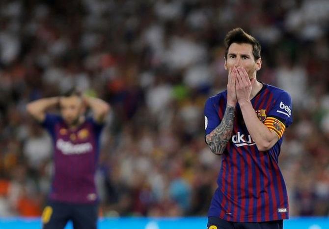 Mùa giải khủng khiếp của Lionel Messi - Bóng Đá