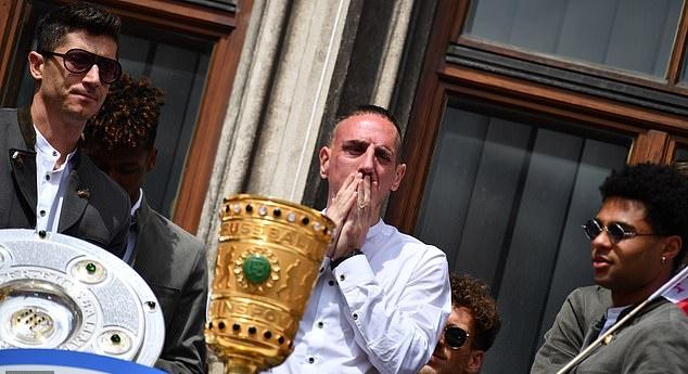Bayern Munich ăn mừng cú đúp - Bóng Đá
