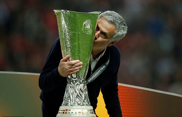 NÓNG! Jose Mourinho chọn bến đỗ không thể ngờ - Bóng Đá