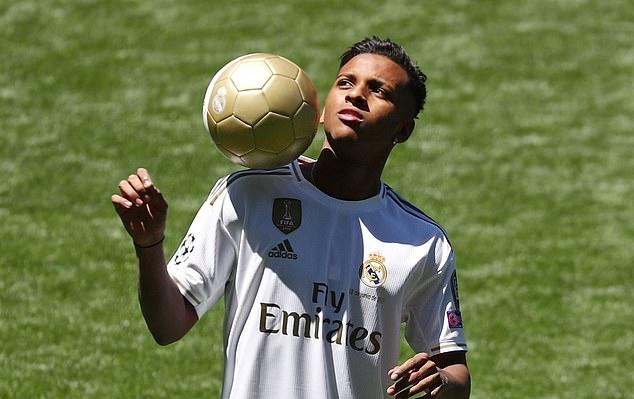 Thêm tân binh chính thức ra mắt Real Madrid - Bóng Đá