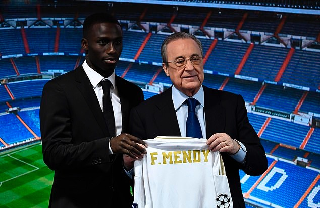 Another day, another Real Madrid player unveiling... Ferland Mendy arrives at Santiago Bernabeu - Bóng Đá