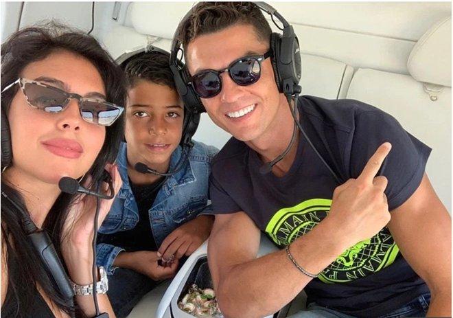 Sarri tới Juve và đây là thái độ của Ronaldo - Bóng Đá