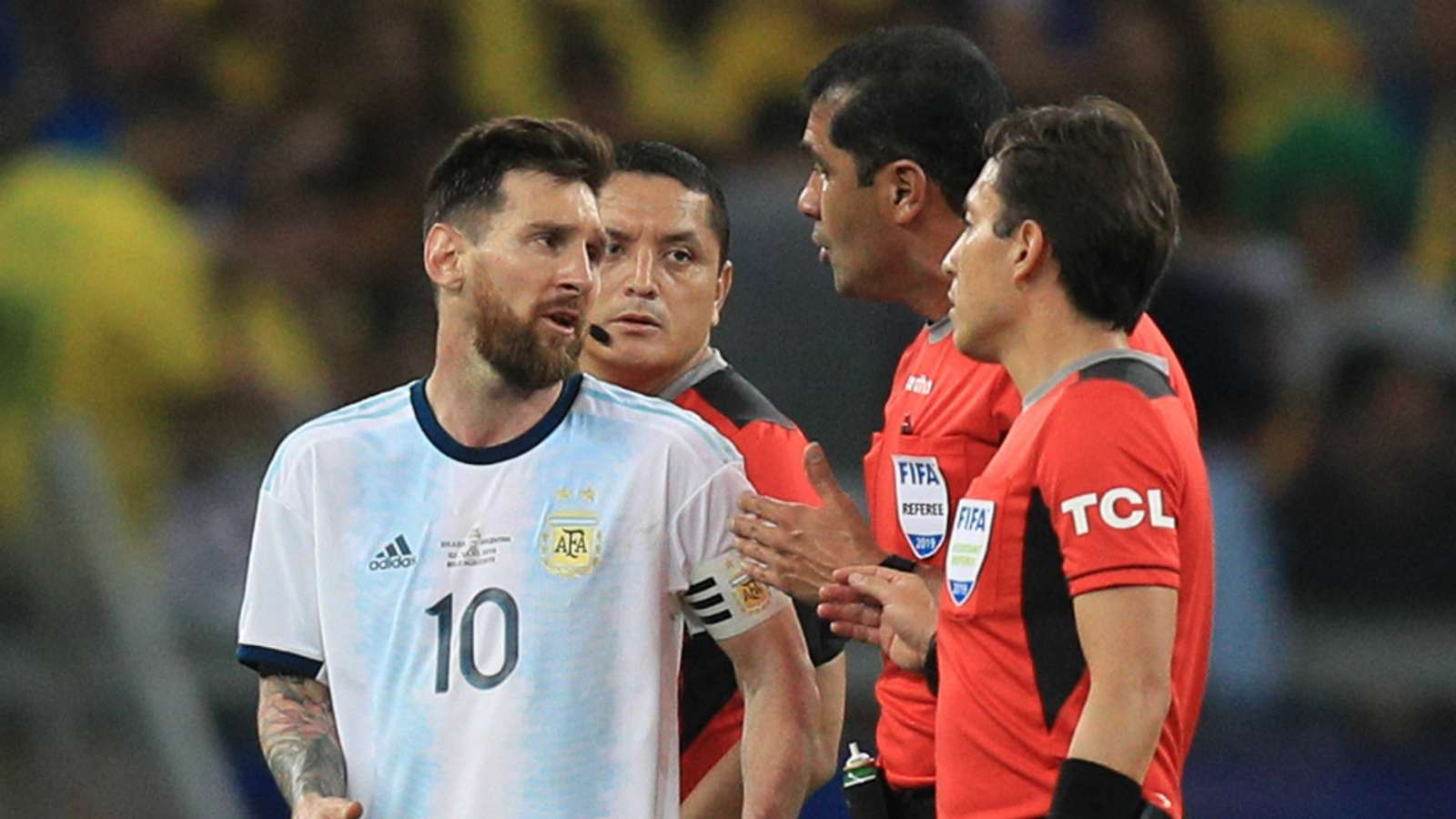 'It was bullsh*t!' - Messi accuses referees of favouring Brazil in Argentina's Copa America semi-final defeat - Bóng Đá