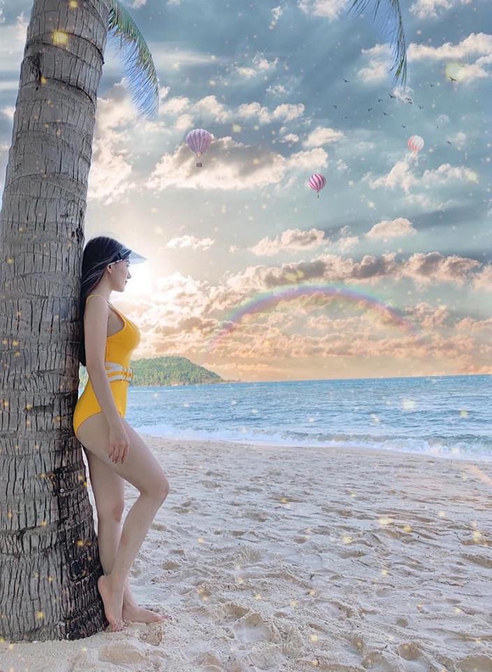 Bạn gái Văn Thanh khoe vòng 1 buốt mắt ở bể bơi - Bóng Đá