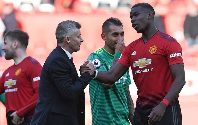 Man United gambled by sacking Jose Mourinho and backing Paul Pogba... but it's now backfired as the Frenchman tries to leave Old Trafford - Bóng Đá