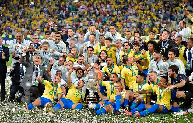 Roberto Firmino, Gabriel Jesus and Philippe Coutinho are joined by Brazil team-mates as they celebrate Copa America success in Rio de Janeiro - Bóng Đá