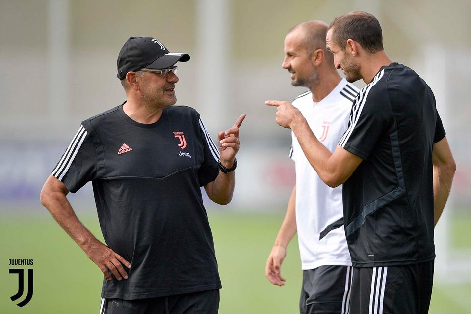 Vắng Ronaldo, đại ca ở Juve cả gan 'chỉ thẳng mặt' HLV Sarri - Bóng Đá