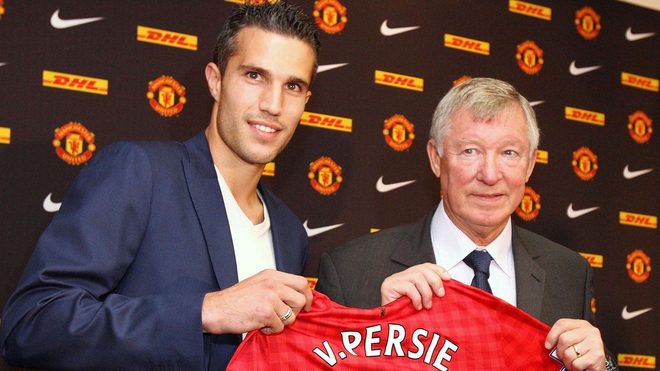 Why Arsenal had to sell Robin van Persie to Manchester United - Bóng Đá