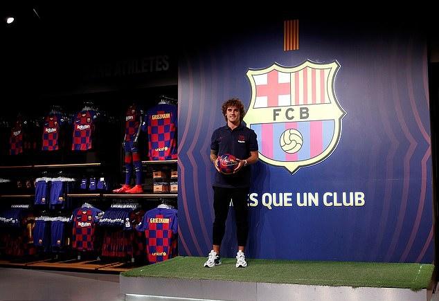 Ảnh Griezmann ra mắt Barcelona - Bóng Đá