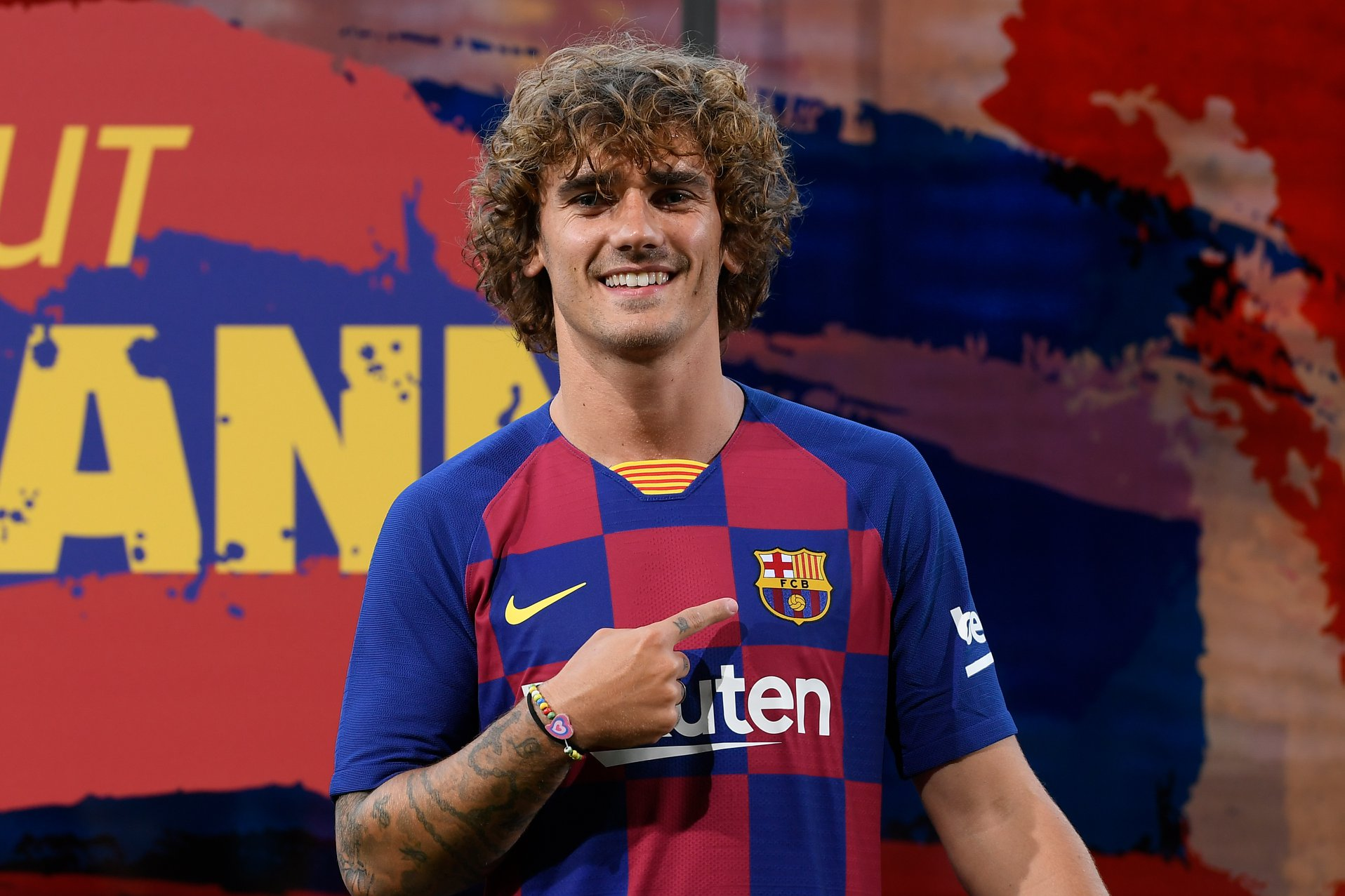 Griezmann to wear number 17 shirt - Bóng Đá