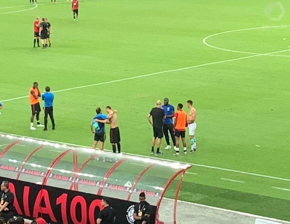 Ảnh Lukaku gặp gỡ BLĐ Inter Milan - Bóng Đá