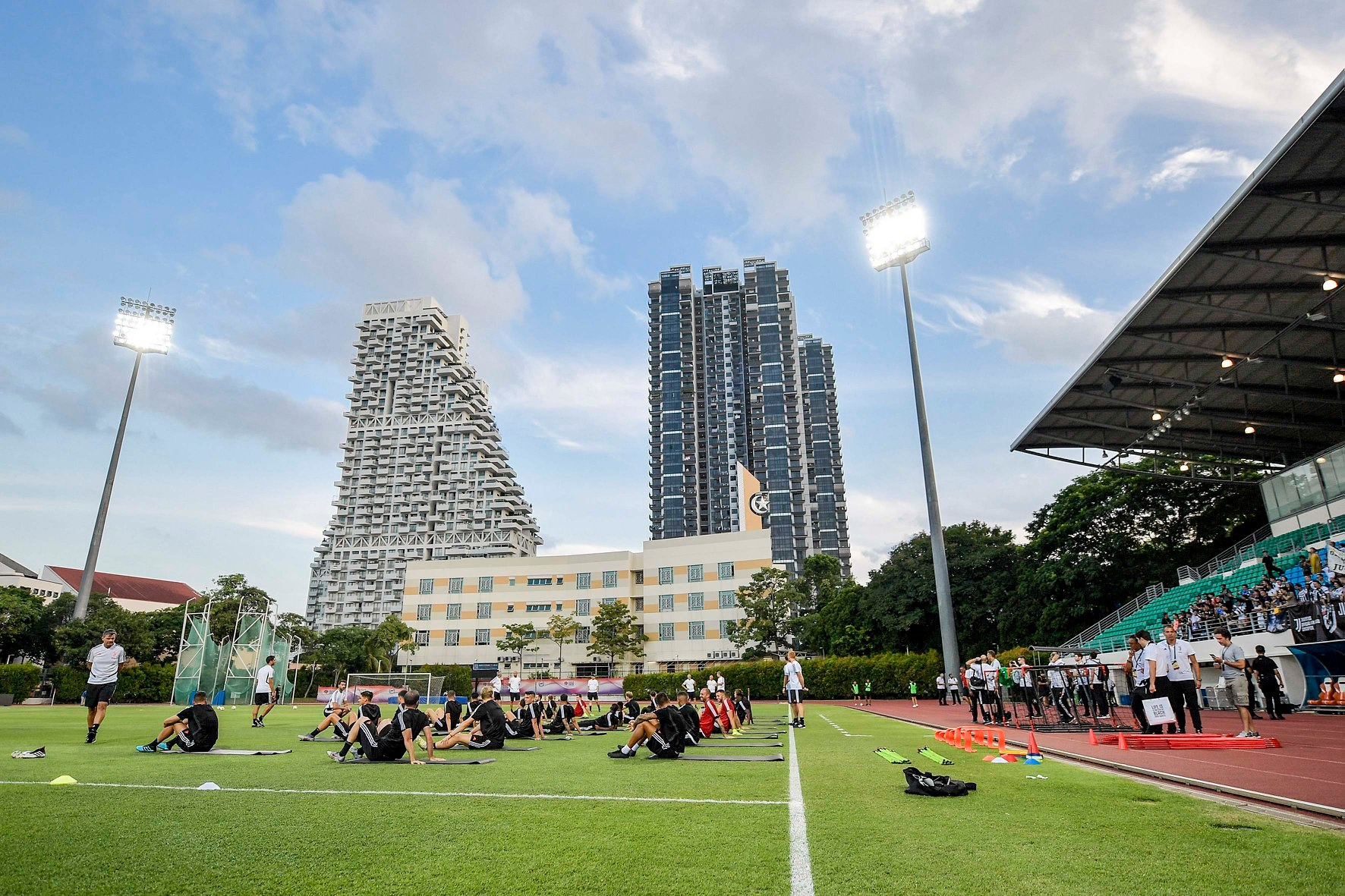 Cùng tới Singapore nhưng Man Utd cho thấy đẳng cấp khác biệt so với Juventus - Bóng Đá