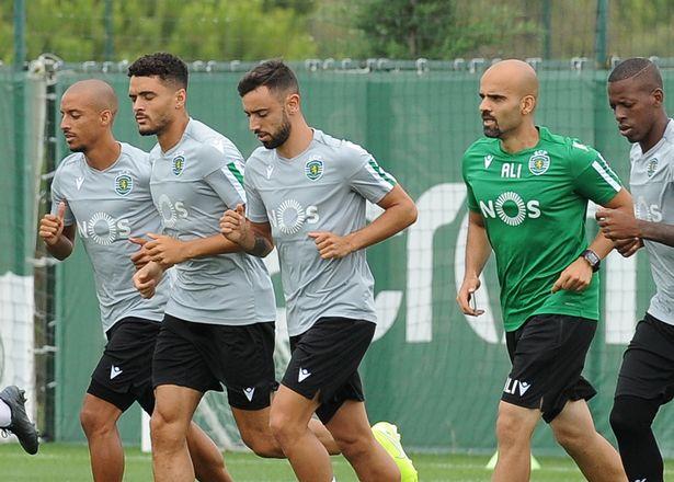 Bruno Fernandes furious after Sporting Lisbon 'rejected deadline day transfer' - Bóng Đá