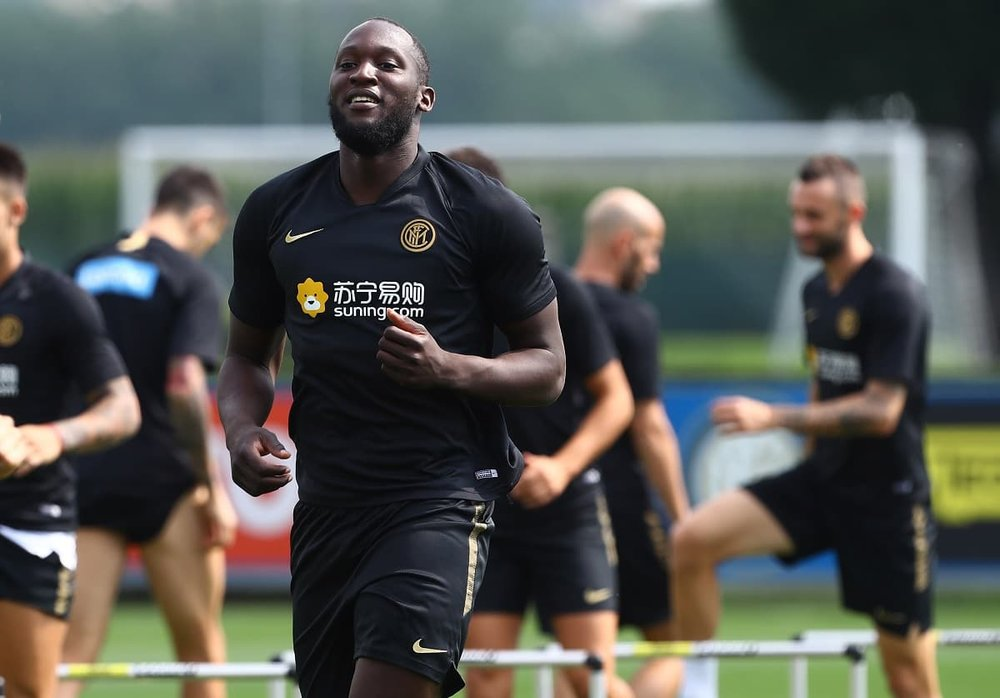 Romelu Lukaku scores AGAIN for new side Inter Milan in pre-season victory over Gozzano - Bóng Đá