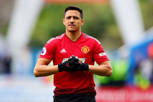Gary Neville orders Manchester United to get rid of 'absolute disaster' Alexis Sanchez - Bóng Đá