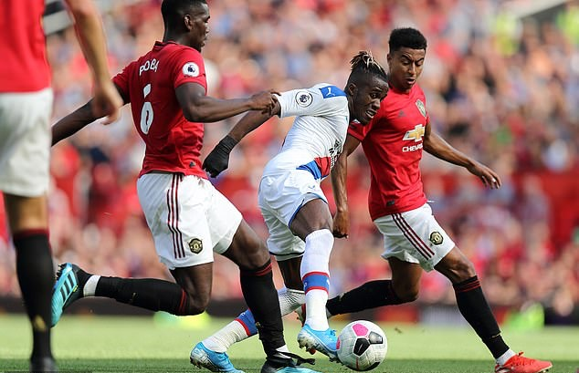 'NOT GETTING ANY BETTER', SOME MAN UNITED FANS WANT LINGARD TO BE SOLD AFTER CRYSTAL PALACE DEFEAT - Bóng Đá