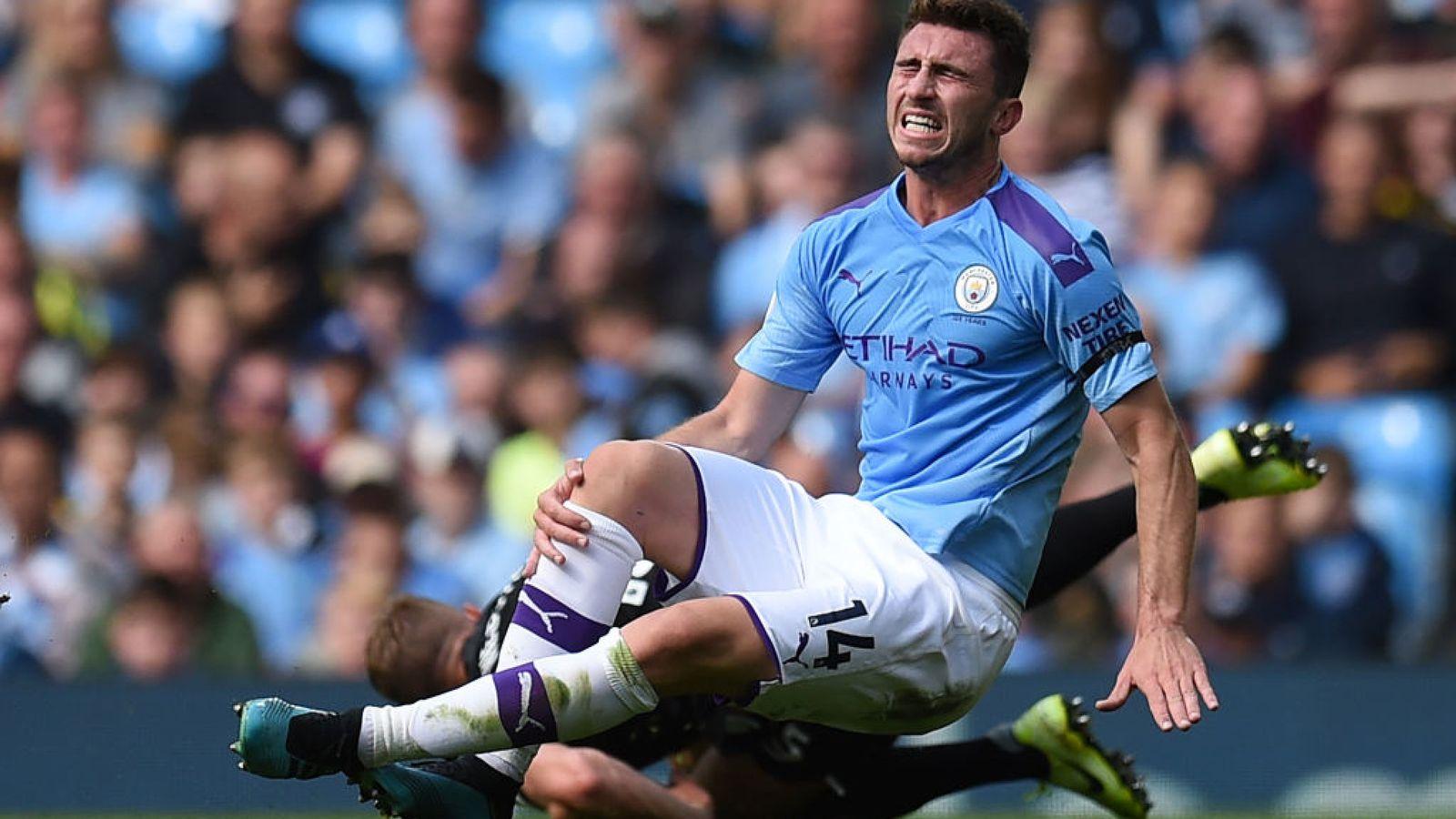 Hàng thủ kém cỏi, Man City đã sai lầm khi không mua Harry Maguire? - Bóng Đá
