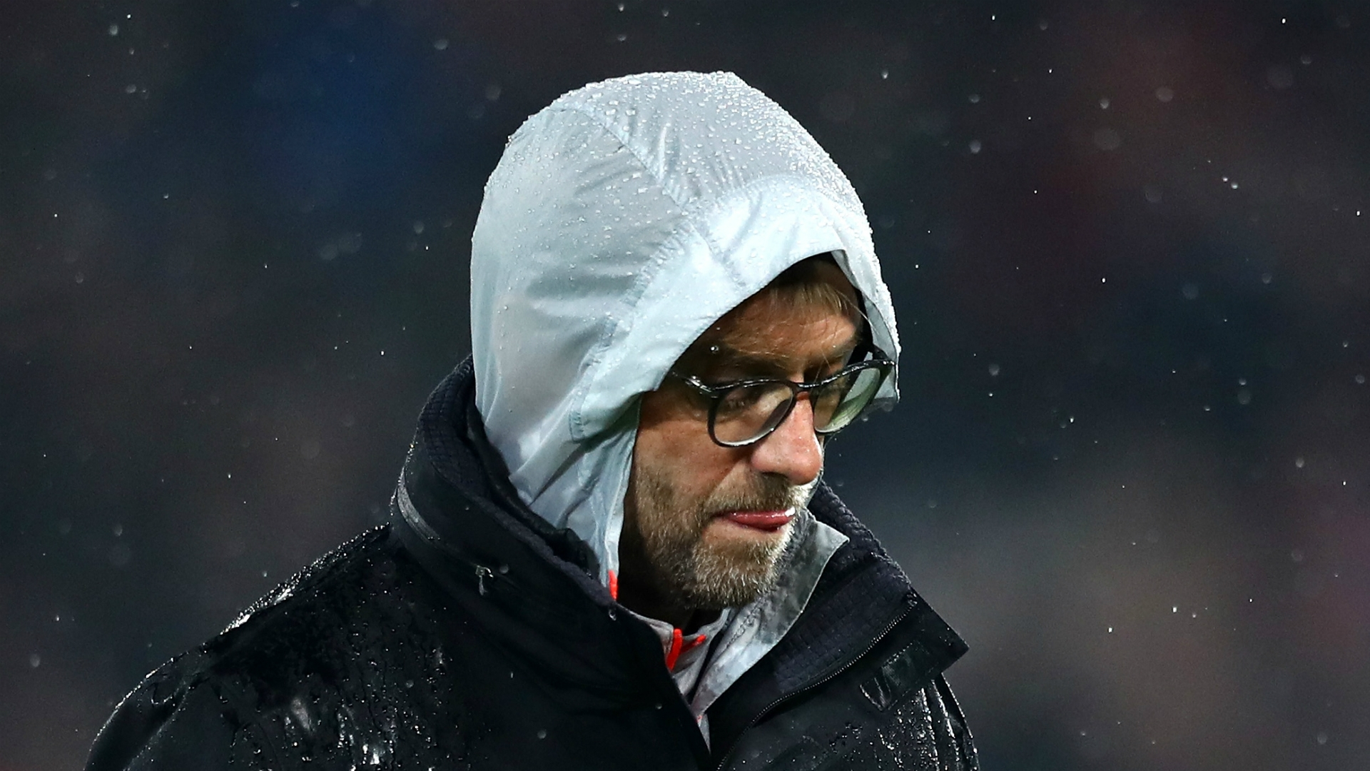 The forecast doesn't look great for Liverpool's chances of keeping Klopp as the terrible British weather could put him off signing a new deal - Bóng Đá